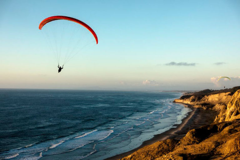 paragliding-feat